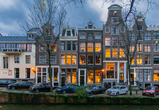 amsterdam1-556x385.jpg